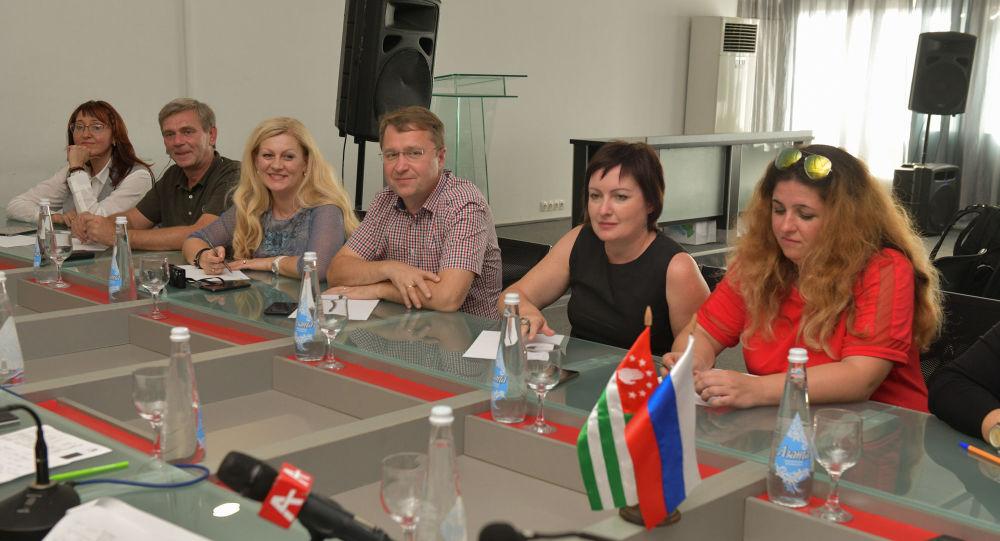 Рекомендуем к посещению: российские журналисты поделились впечатлениями об Абхазии