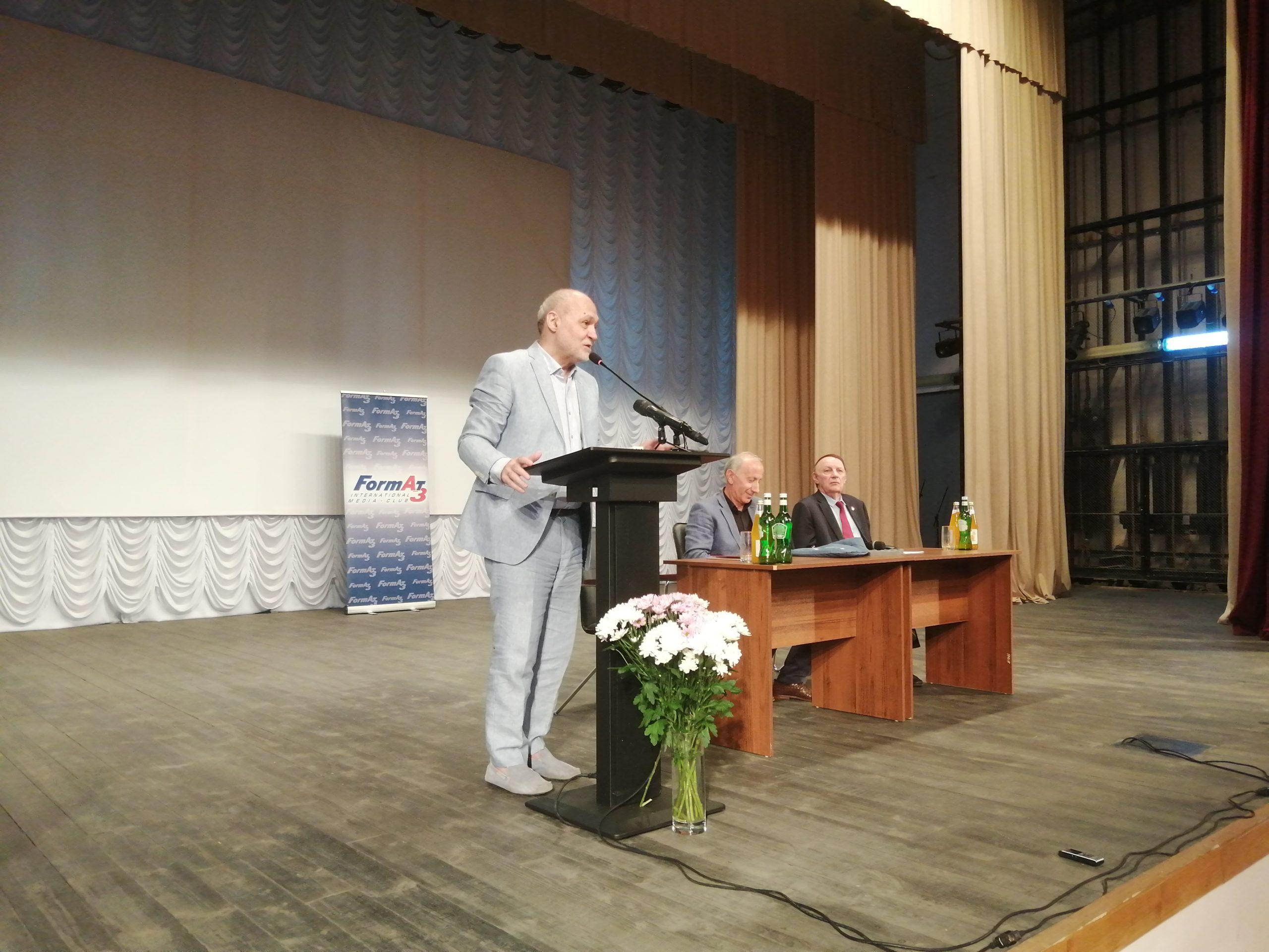 Андраник Мигранян встретился со студентами и преподавателями Абхазского Госуниверситета